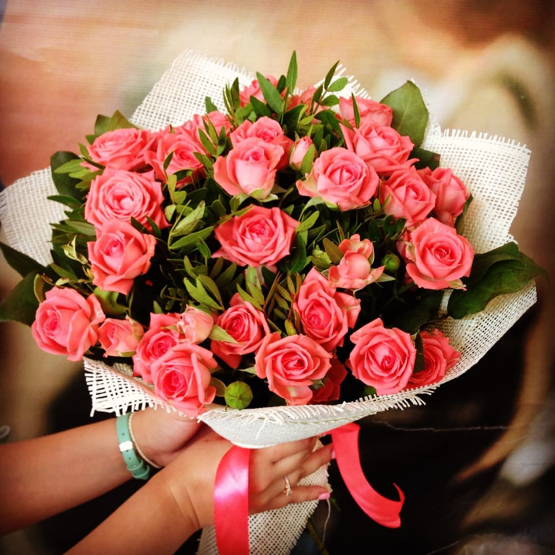 Фуксия букет, какие цветы подарить на день рождения подруге 12 лет