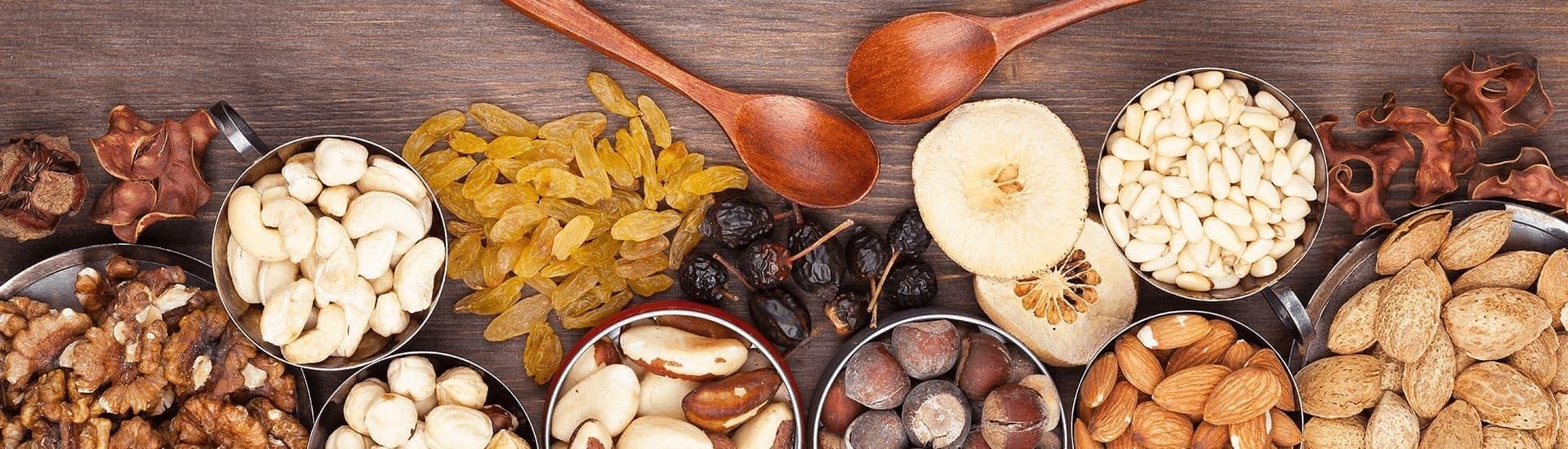 Из орехов и сухофруктов