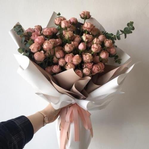 """Букет из кустовых роз """"Софи"""""""
