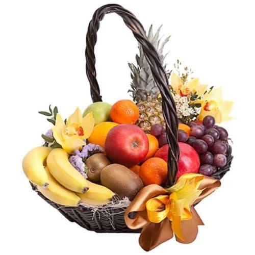 """Подарочная корзина с фруктами и цветами """"Внимание"""""""