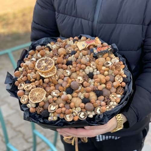 Букет из орехов №30