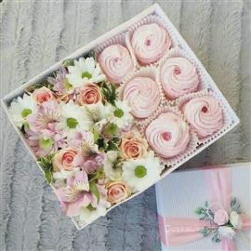 Коробочка с зефиром и цветами №3
