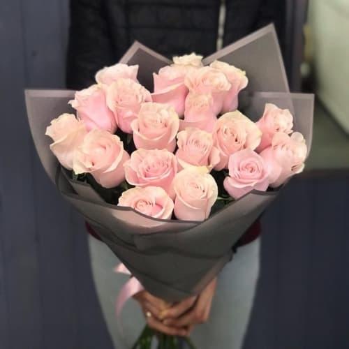 """Букет из розовых роз """"Пейдж"""""""