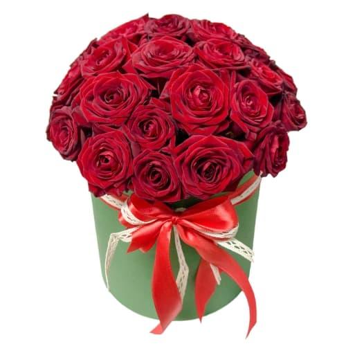 """25 красных роз в шляпной коробке """"Алые паруса"""""""