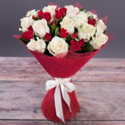 """Букет из кустовых роз """"Аэлита"""""""