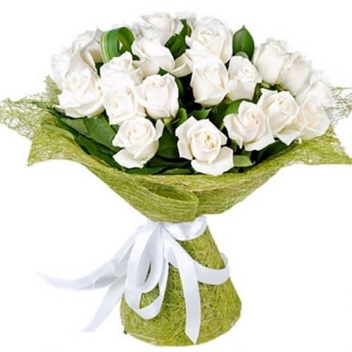 """Букет из 15 белых роз """"Адриана"""""""