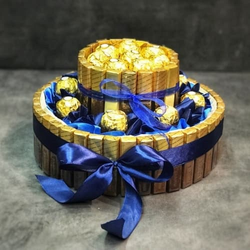 "Торт из конфет ""Merci & Ferrero Rocher"""