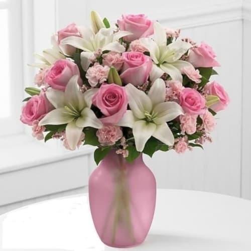 """Букет из лилий и роз """"Венера"""""""