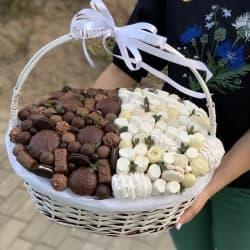 Корзина со сладостями №15