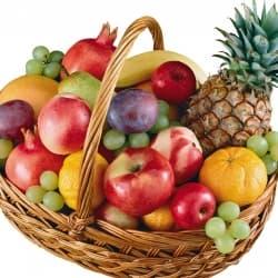 """Подарочная корзина с фруктами """"Ассорти"""""""