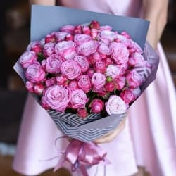 """Букет из кустовых роз """"Неолина"""""""