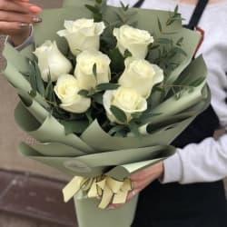 "Букет из белых роз ""Бетти"""