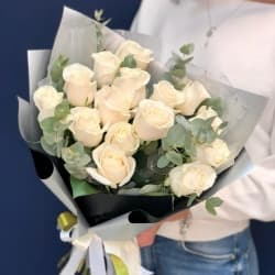 """Букет из белых роз """"Бритни"""""""