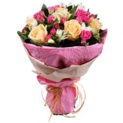 """Букет из разноцветных роз """"Юнона"""""""